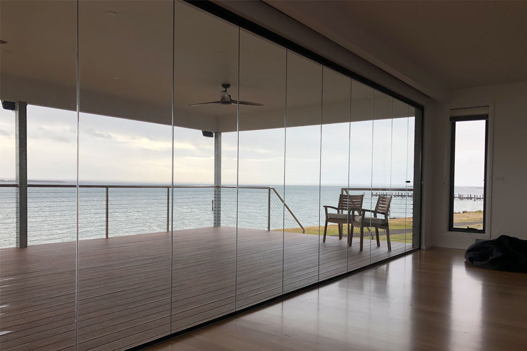 Open Enclosures 19/442 Geelong Road, Yarraville new showroom glass windows vertical glass blinds